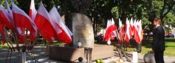 Burmistrz Augustowa w ramach obchodów rocznicowych wydarzeń z 1 września 1939 roku na Westerplatte oddał hołd walczącym