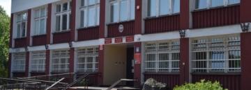 Ogłoszenie o przetargu na dzierżawę nieruchomości na sprzedaż rękodzieła na Rynku Zygmunta Augusta